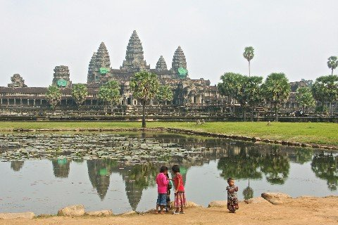 Angkor Wat is 7.1 km from the bus stop in Siem Reap