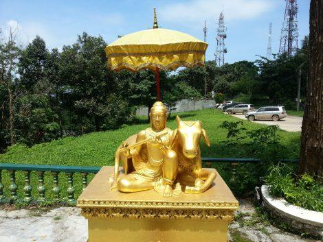 Buddha statue at Wat Leu