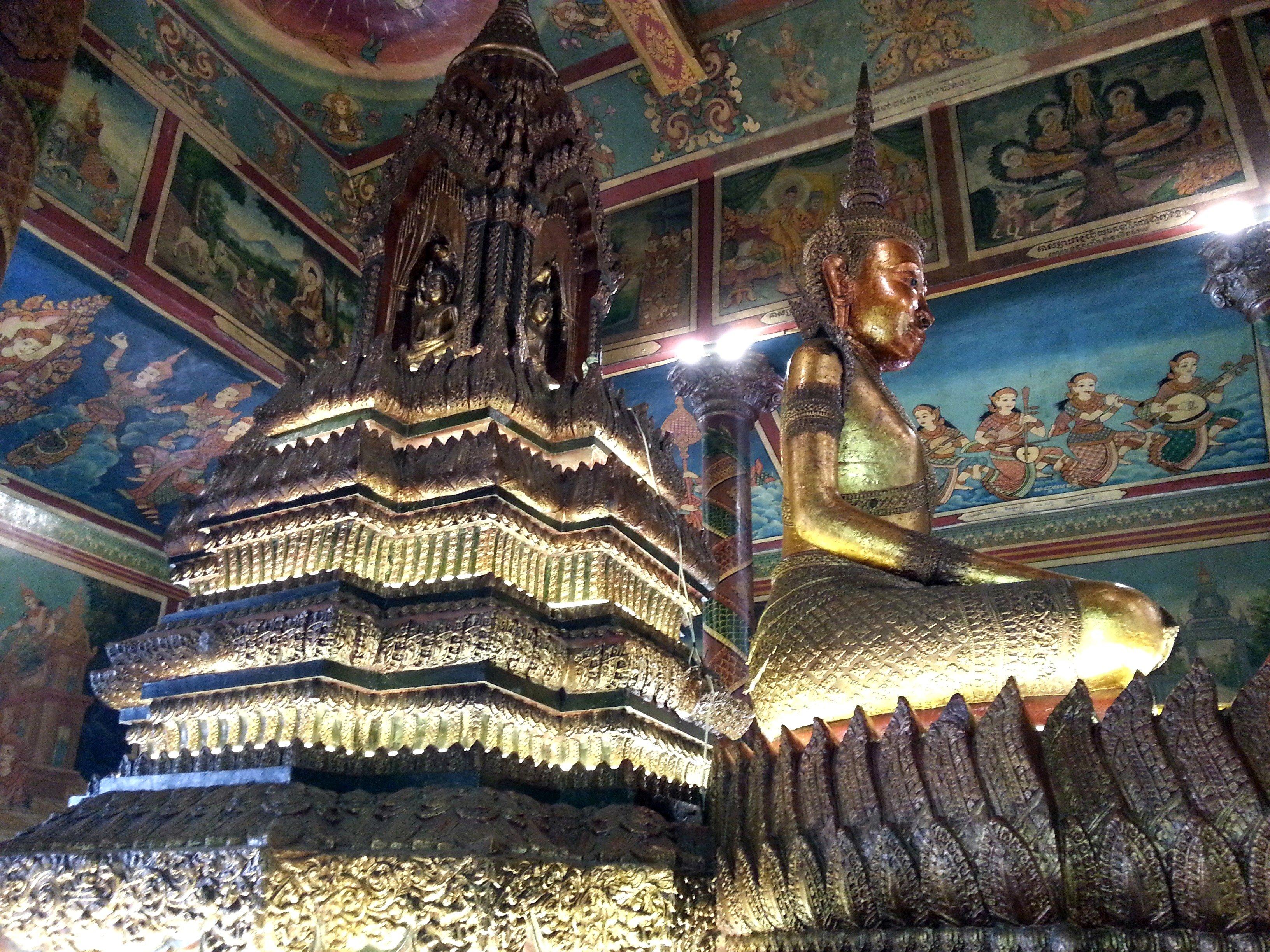 Buddha statue at Wat Phnom