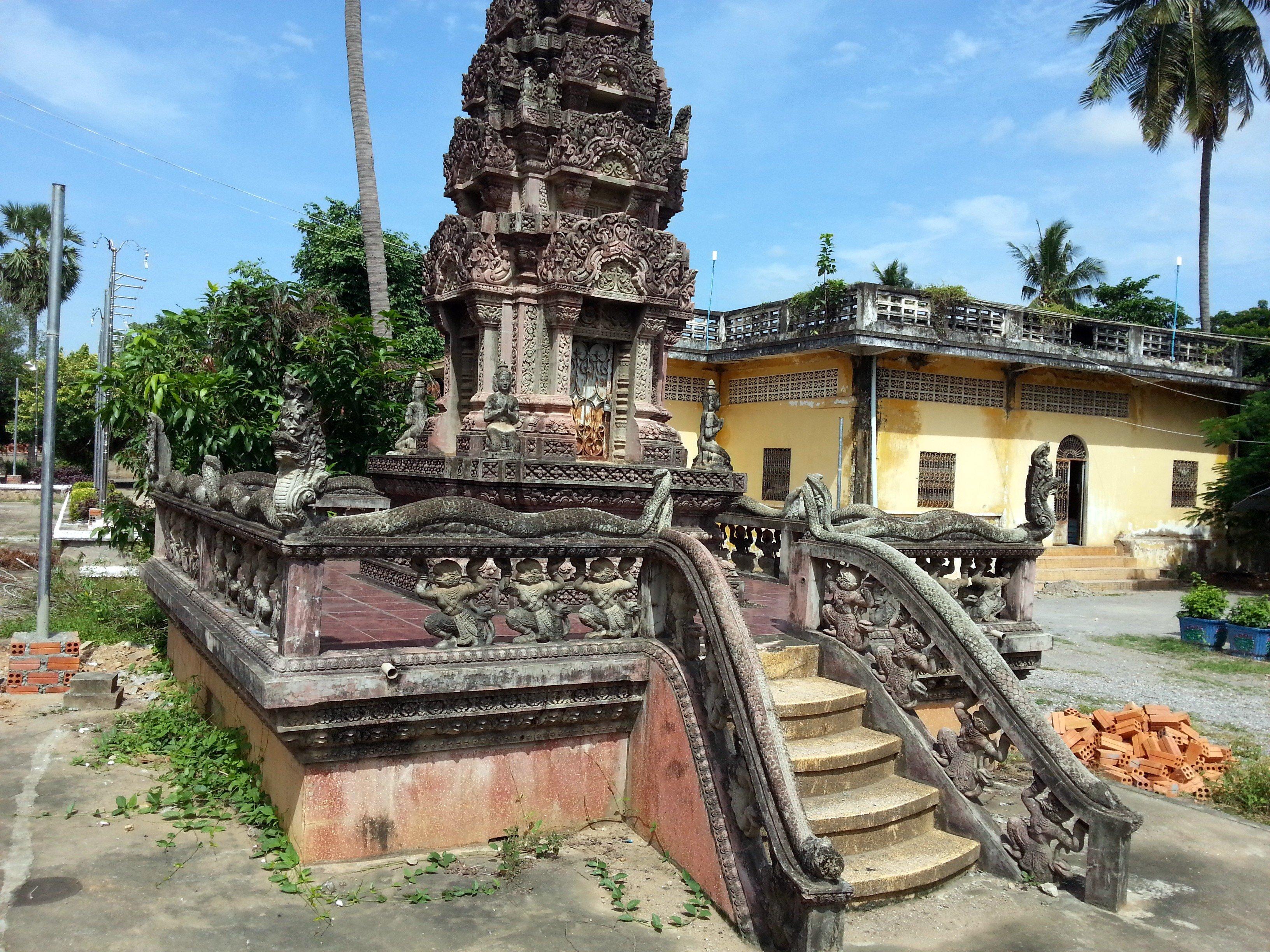Naga stairs on Sangke Pagoda