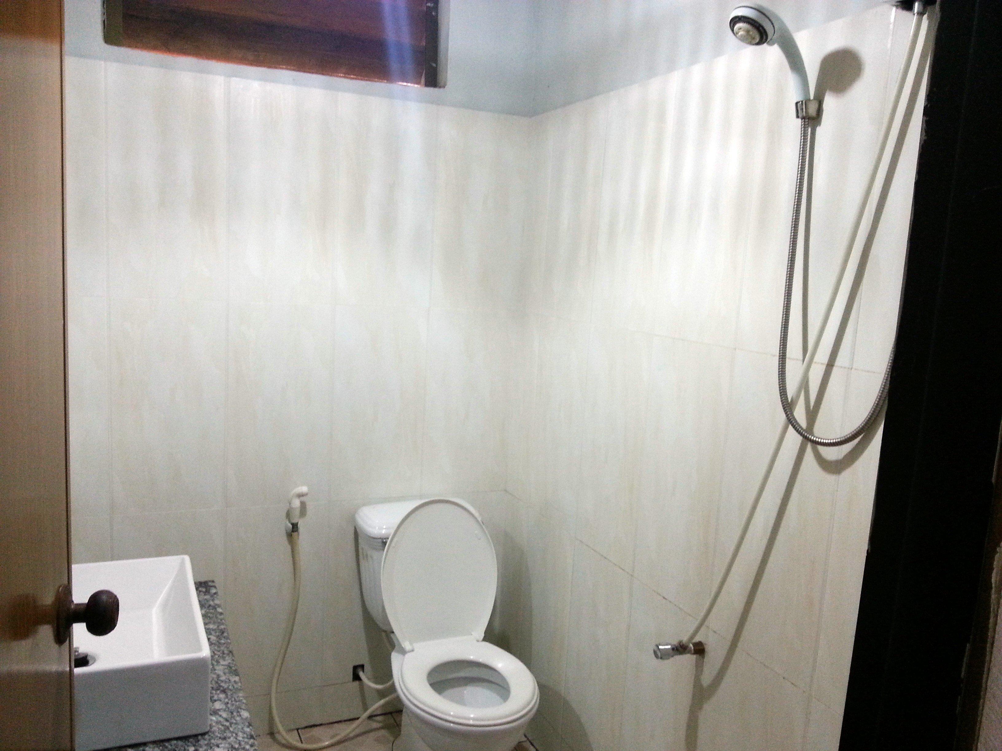 Bathroom at the Otres Lodge