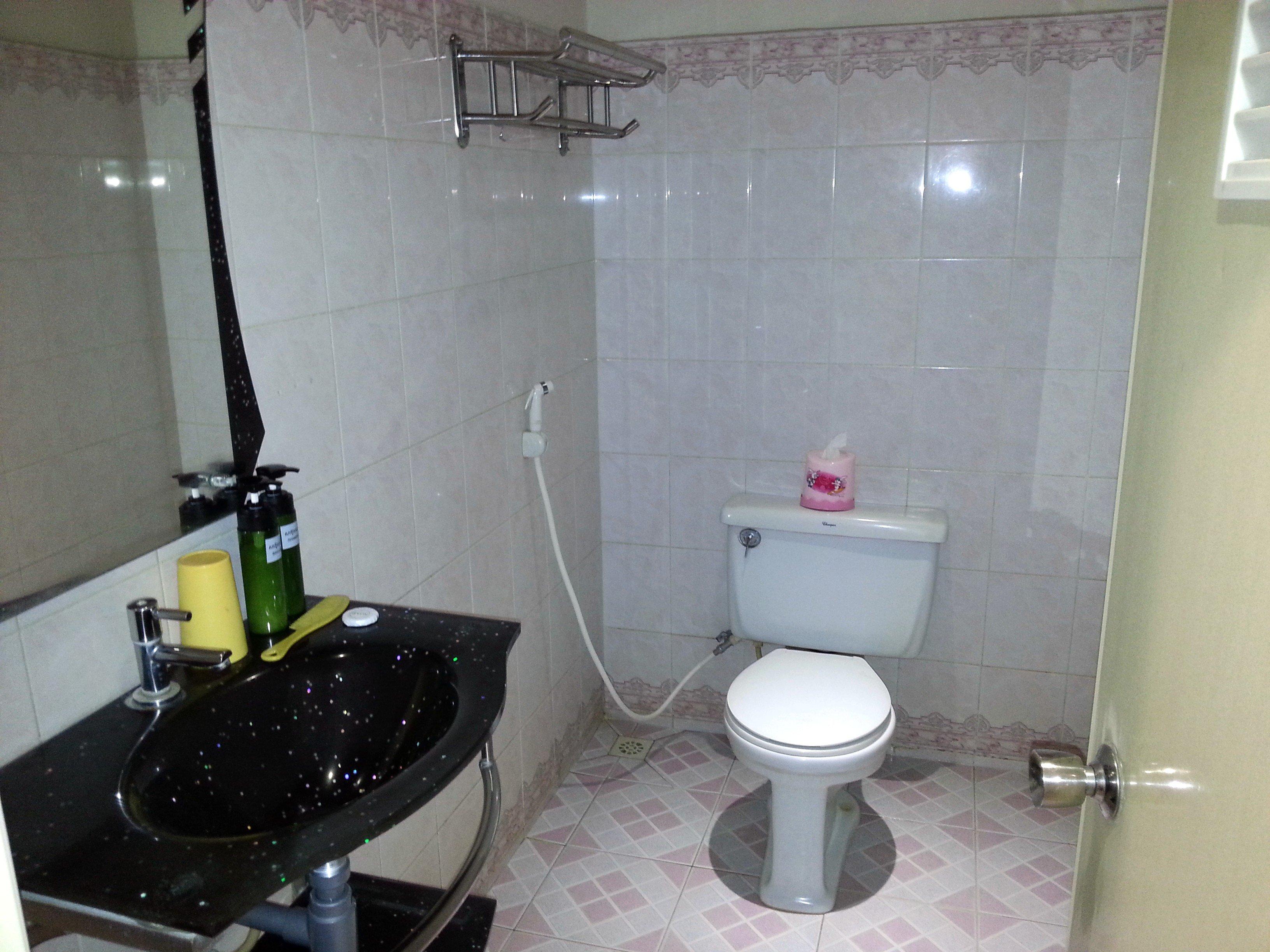 Bathroom at the Royal Hotel
