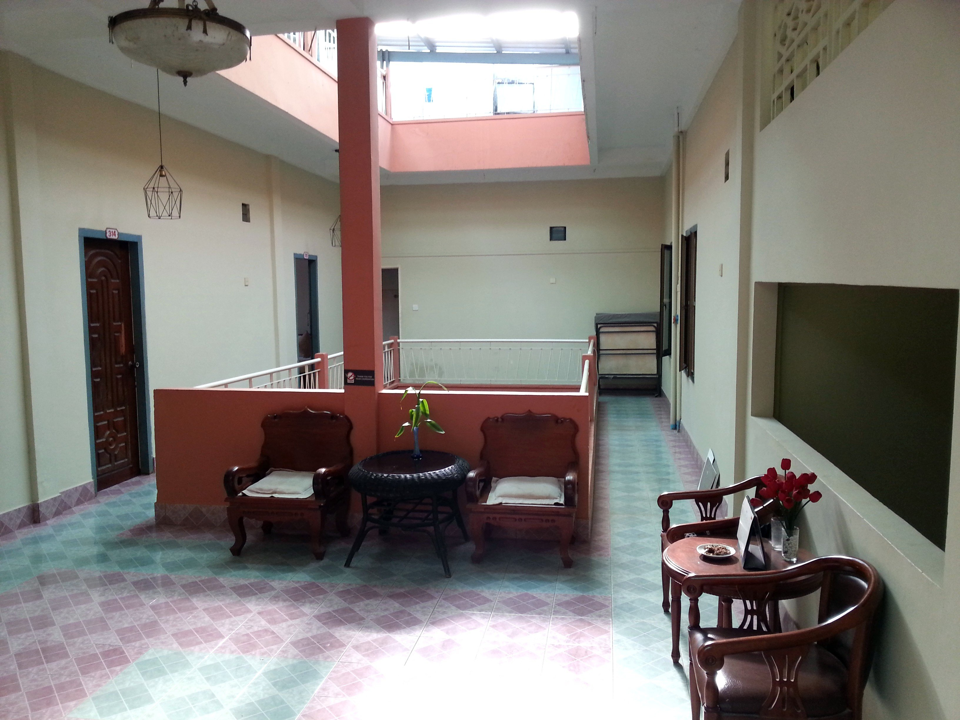 Communal areas at the Royal Hotel