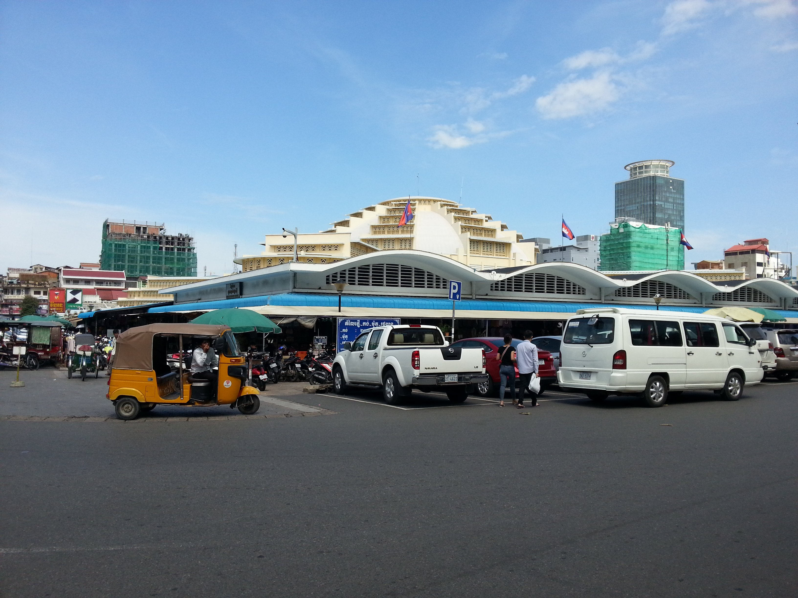 The Zing Hotel is opposite Phnom Penh Central Market