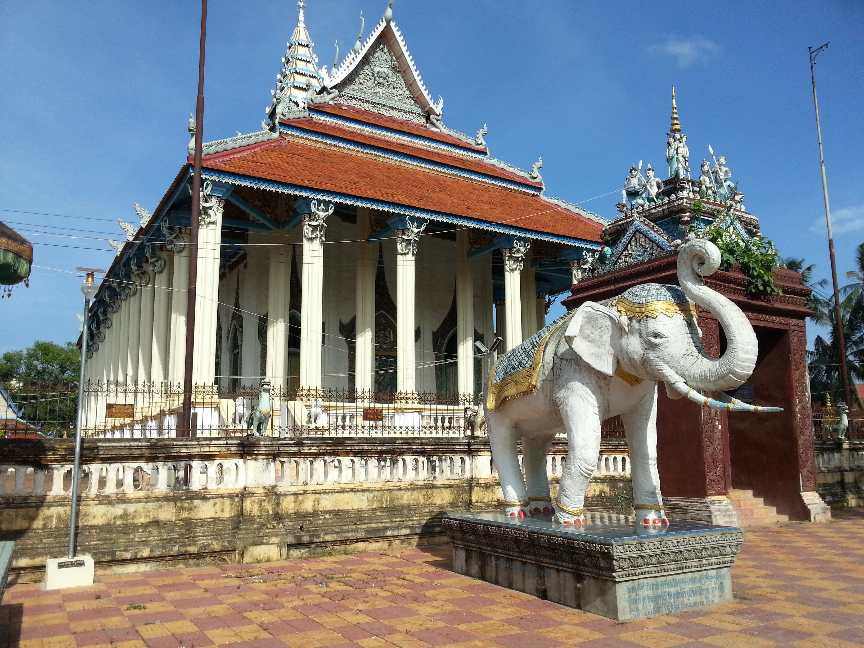 Damrey Sor Pagoda in Battambang