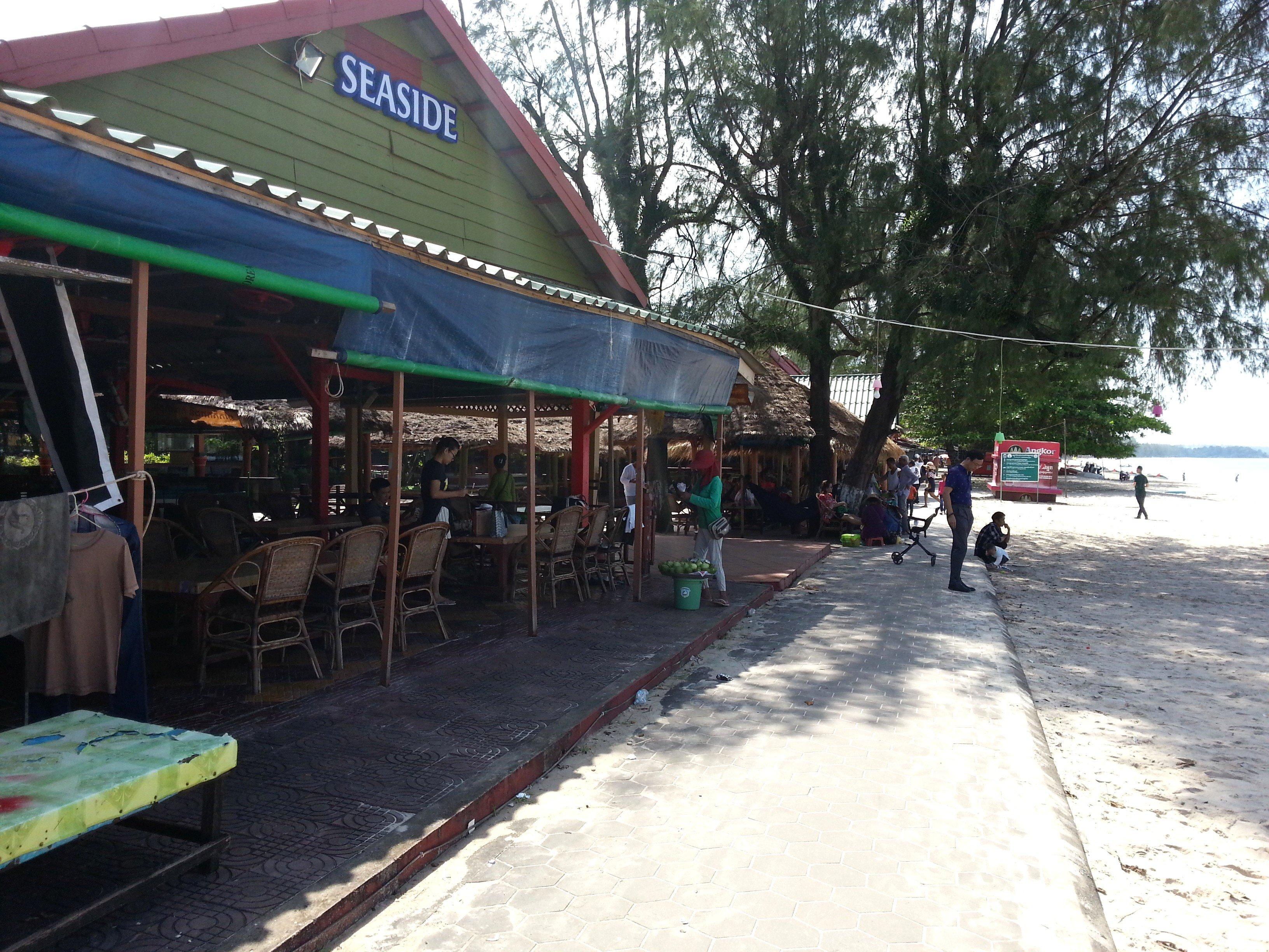 Seafront restaurant on Ochheuteal Beach