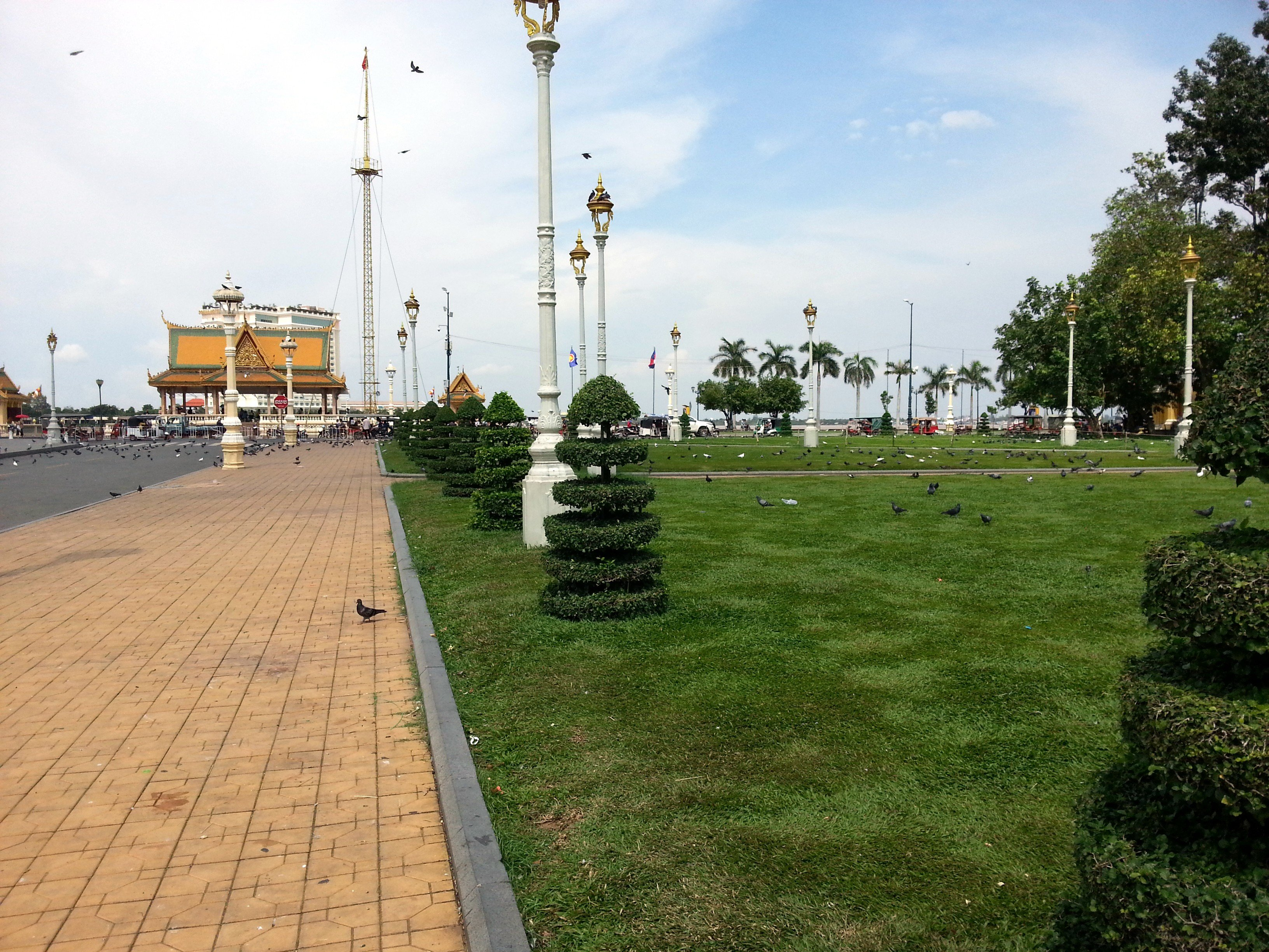 The Royal Palace Park is located by the Tonle Sap River