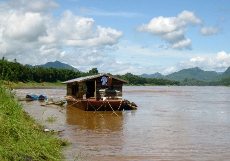 Houseboat in Stung Treng Province