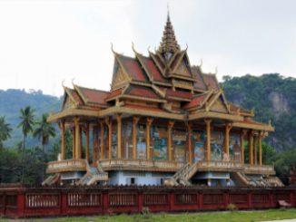 Wat Phnom Sampeau is located to the south west of Battambang